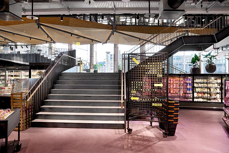 Interstore_Schweitzer_Bridge_0_Stairs